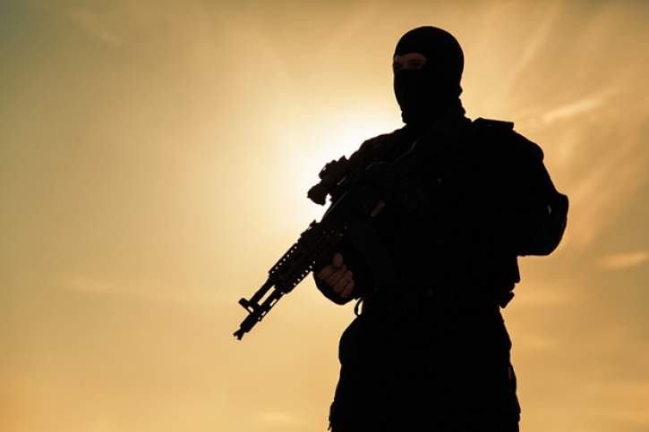 Silhouette of soldier [nid:47619]